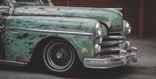 car-984159_1920